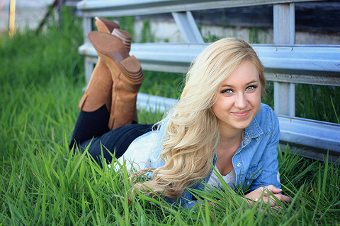 Premier Puyallup Senior Portrait Photographer